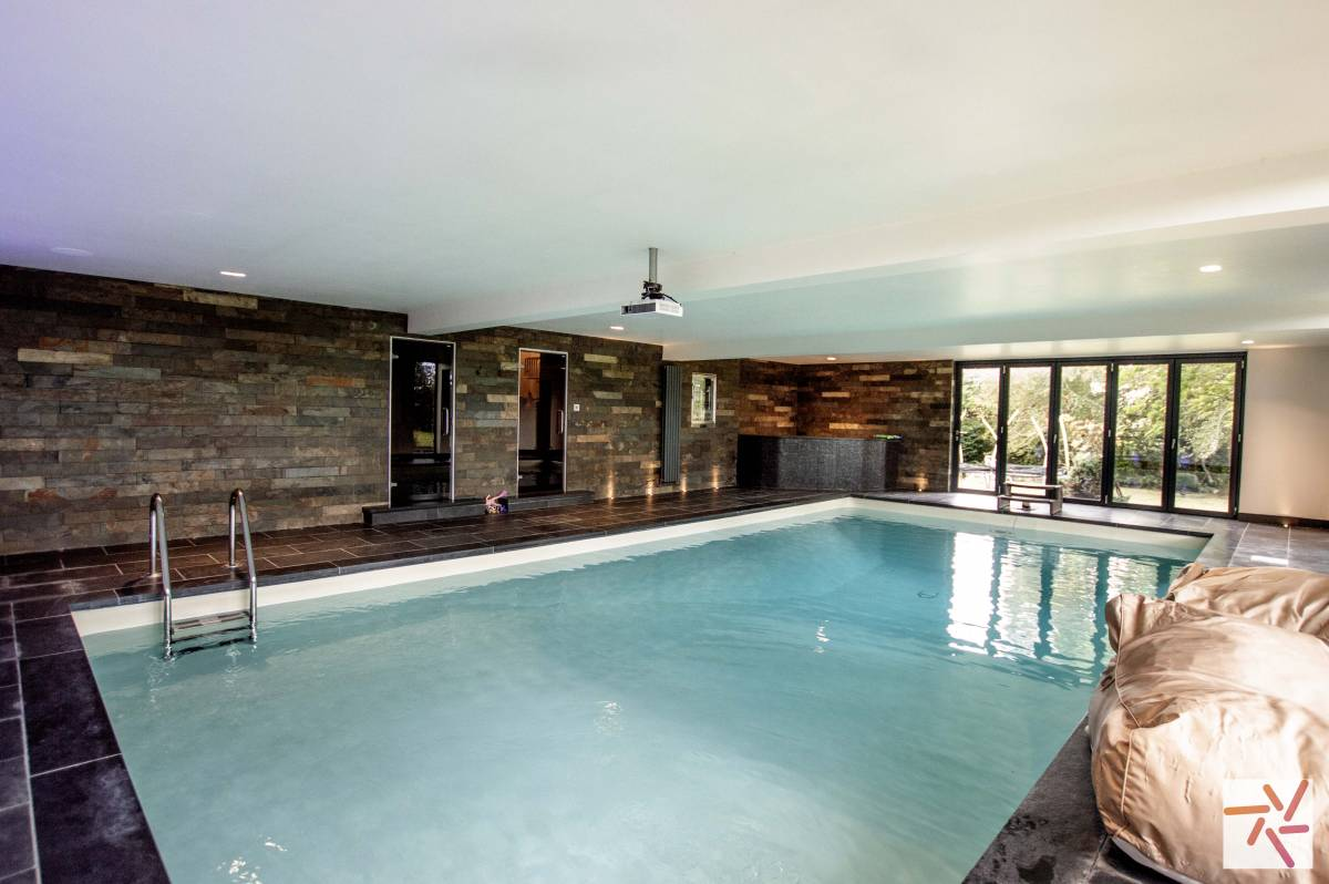 1850s west yorkshire location with sash windows swimming - Swimming pools in south yorkshire ...